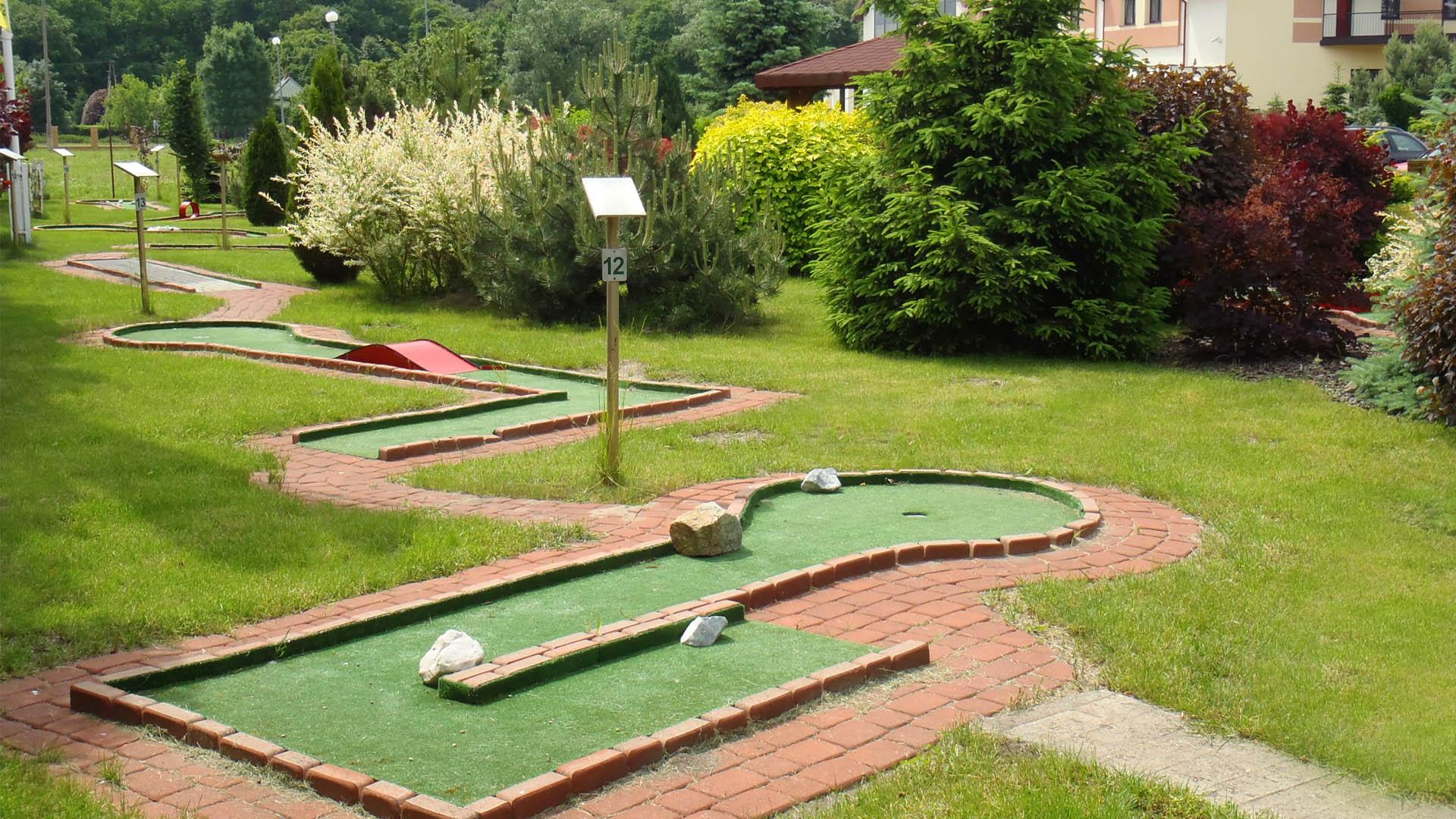 Pole do gry w mini golfa
