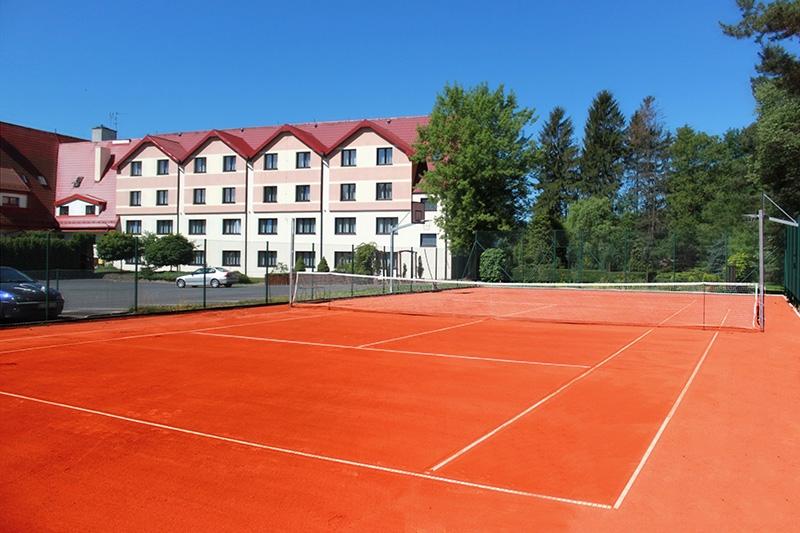 Kort tenisowy w hotelu Rubbens&Monet