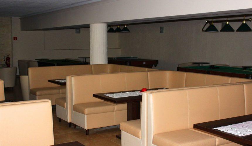 bowl club w hotelu Monet - kanapy