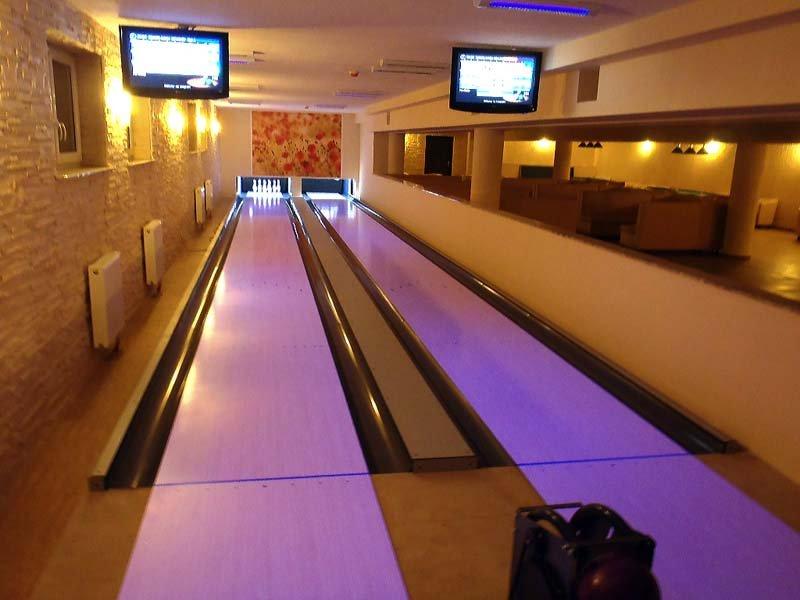 bowl club w hotelu rubbens & monet
