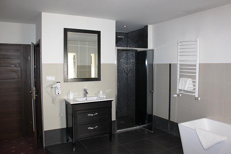 pokój lux gold łazienka