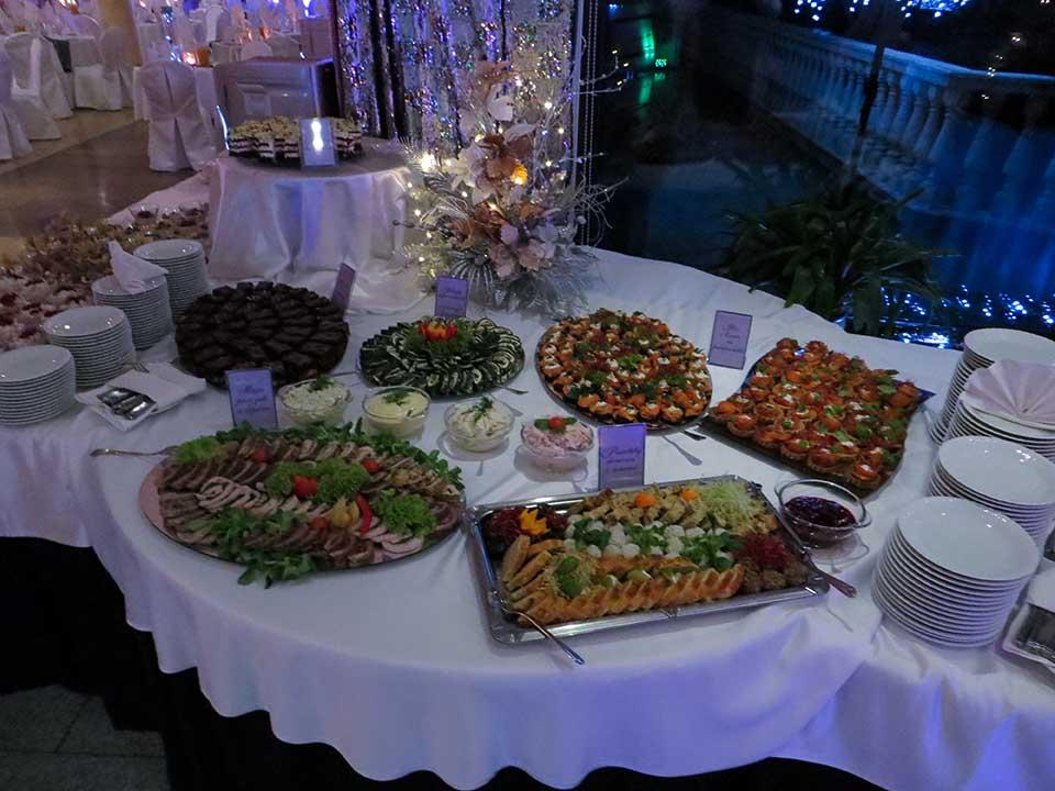 stół szwedzki w czasie sylwestra