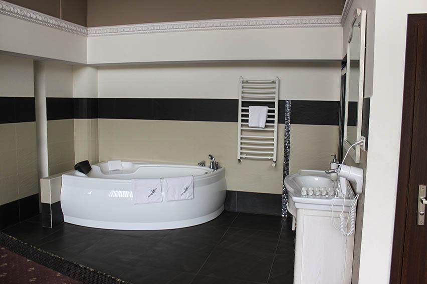 apartament monet salon kąpielowy